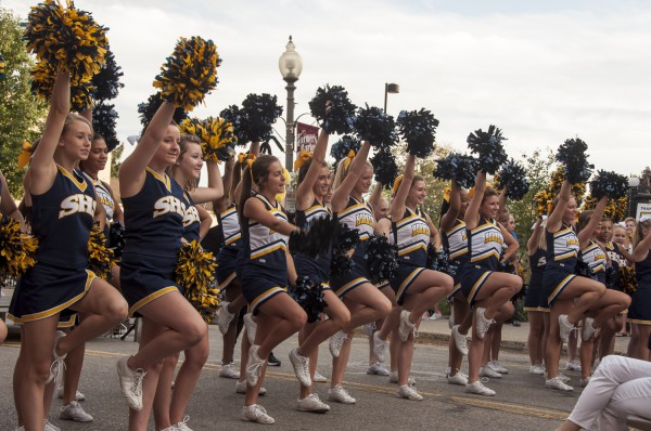 Cheerleaders-saline-2015
